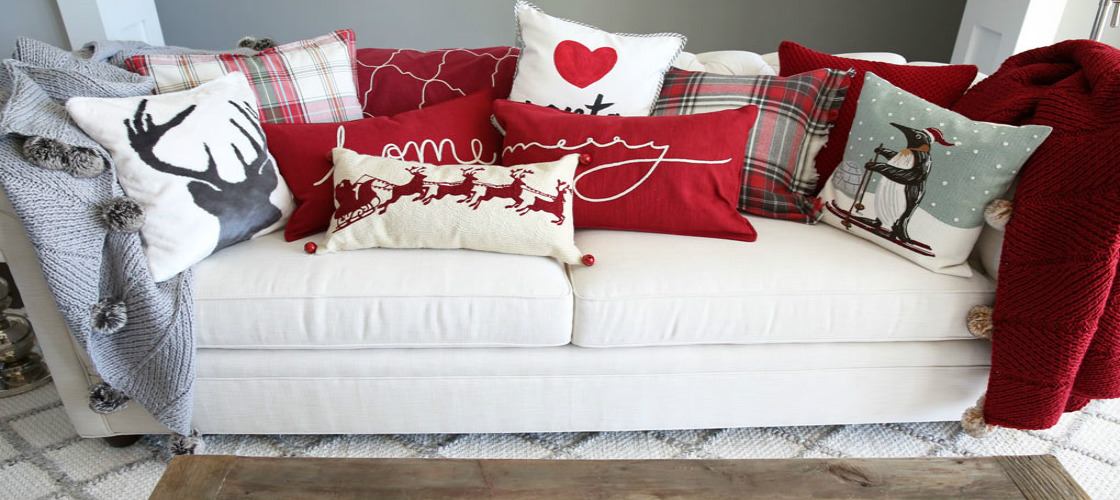 Outstanding Pillows for your Christmas Decor
